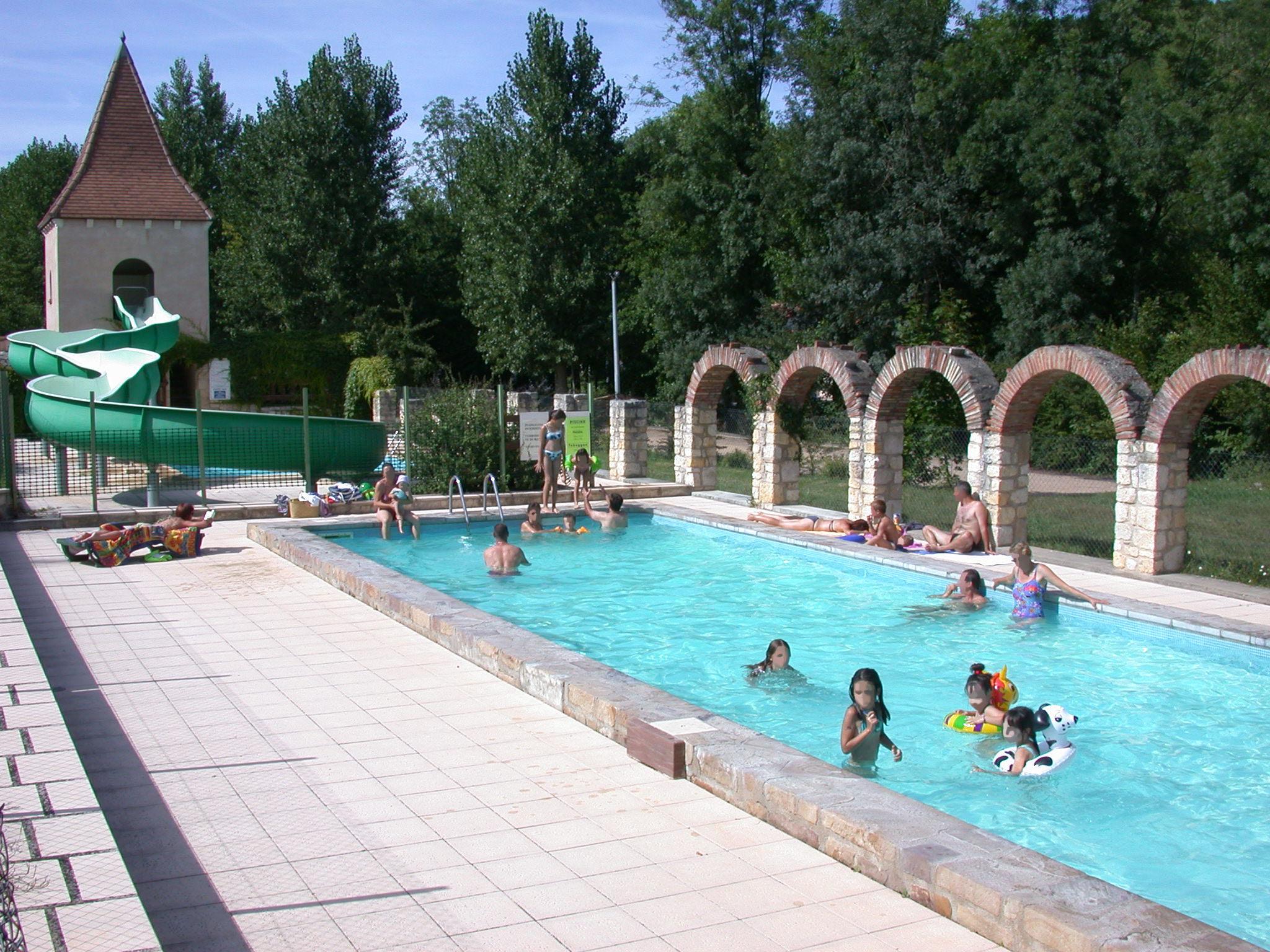 Camping et location de chalets avec piscine cordes sur for Piscine julien
